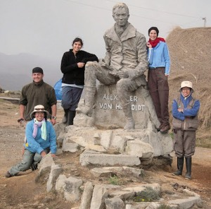 Dr. Ulloa Ulloa (front, left) and field assistants at the Humboldt statue on Chimborazo in 2009.